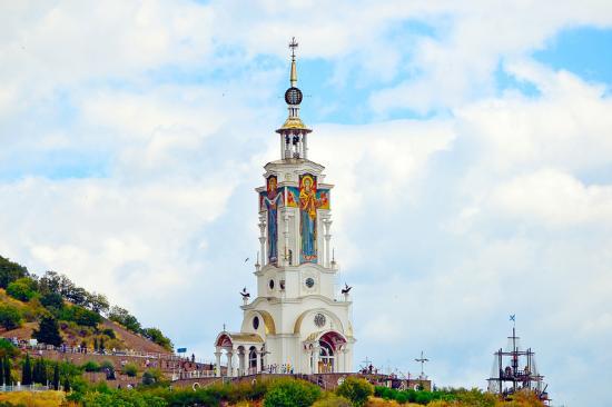Храм Покрова Пресвятой Богородицы в Малореченском